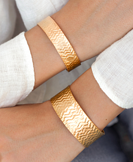ZOÉ BANGLE GOLD