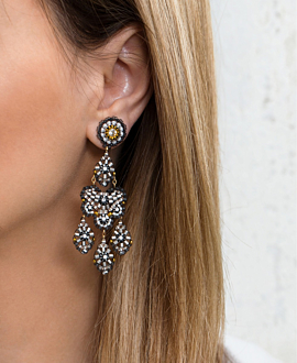GLOOMY ALLURE  EARRINGS