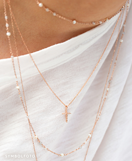SPARKLING CROSS  NECKLACE SILVER